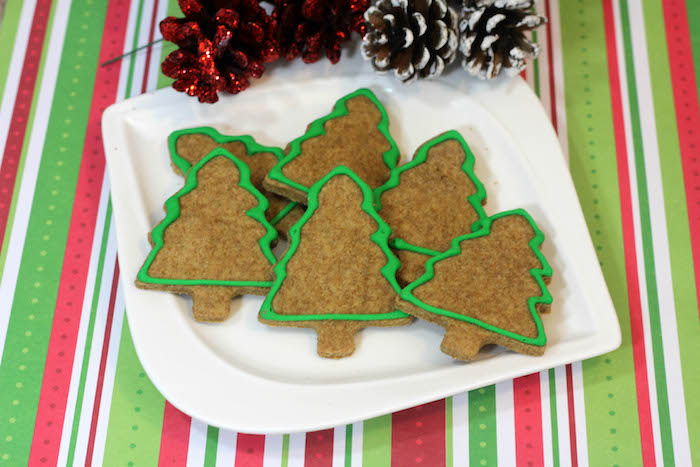 Holiday Dog Treats Recipe: Christmas Trees - DogVills
