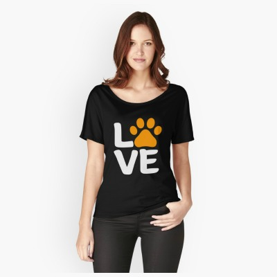 Show off your love of dogs and Halloween with this simple yet fun design! Wear it as a t-shirt or grab some adorable home decor to celebrate the season.